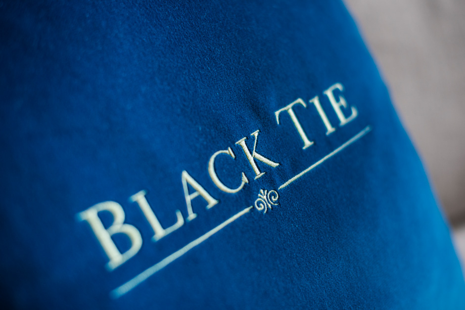 Black Tie – Martin Sofa
